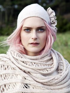 Side ruffle hat and ladder wrap in natural merino