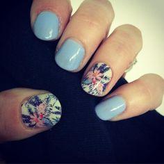 First day of work mani is set  #Jamberry #nailwraps #tikihutjn #serenityjn