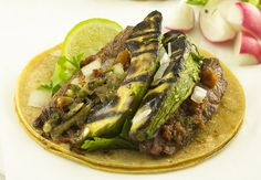 Carne Asada Tacos with Grilled Avocado - http://detox-foods.co.uk/carne-asada-tacos-with-grilled-avocado/