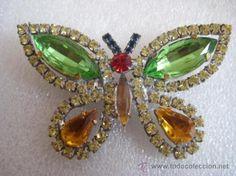 Beautiful, elegant and delicate brooch, butterfly, bohemian crystal / Joyas en todocoleccion