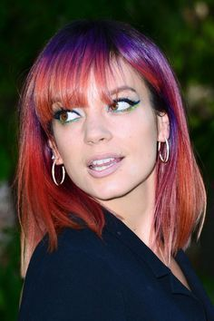 Lily Allen's purple root shadow and reddish pink ombre is everything! Get Lily Allen's Hair Color Formula with Organic Way (Oway) professional hair color. You'll need 6.77, .8 Blue Tone Booster and...