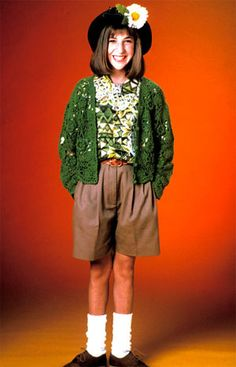 couldn´t resist (eventhough i hated that show as a kid). the shorts, the cardigan, the anklesocks, the brogues and the haircut...