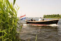 Varen - VVV Wijdemeren   hier kunt u bootjes huren voor een heerlijk dagje op het water! www.vvvwijdemeren.nl/zien-en-doen/actief-en-sportief/varen
