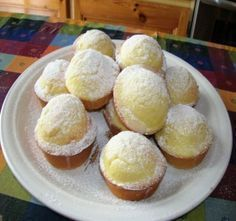 Muffins limone e ricotta Buonissimi! Italian Desserts, Just Desserts, Italian Recipes, Dessert Recipes, Sweet Cakes, Cakepops, Ricotta, Love Food, Sweet Recipes