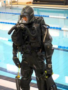 divergear:  finnish military diver