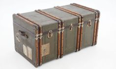 Recuperar baúl antiguo Old Trunks, Trunks And Chests, Decoupage, Coffer, Home Look, Baggage, Decoration, Suitcase, Kids Room