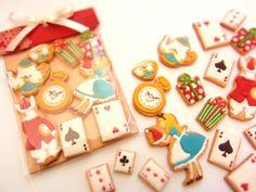 alice in wonderland cookie