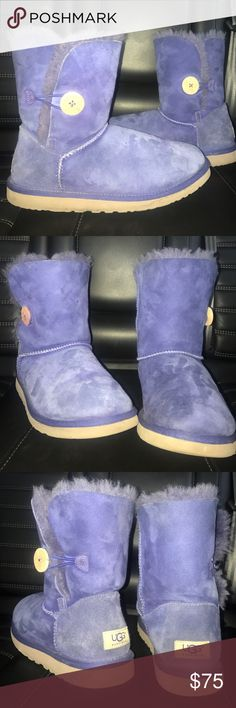 Women's Bailey Button II Uggs Indigo low Bailey button Ugg boots! Pretty rare & no longer available! In great condition & only worn a few times! Shot me a offer!! (Pictures true to color) UGG Shoes Winter & Rain Boots