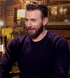 Funny Gifs Funny Gifs, Hilarious, Chris Evans, Laughter, Acting, Interview, Cap, Mood, Videos