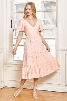 Blush Pink Outfit, White Dress Outfit, Pink Midi Dress, Midi Dress With Sleeves, Pink Outfits, Pink Dress Casual, Light Pink Dress Short, Pink And White Dress, Blush Dresses
