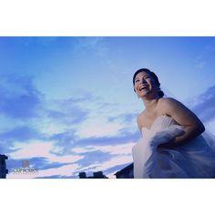 Más de los preparativos de @sikiuandrade pero ya lista #fotografodebodas #olafmorrosfotografo #weddingday #bodas #novias