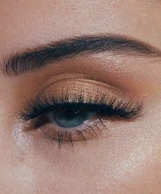 gold hues || blue eye makeup ideas