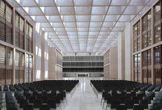 Berlin | Regierungsbauten (Band des Bundes u.a.) - Page 26 - SkyscraperCity Chatham House, Meeting Hall, Lobby Interior, Function Room, Ceiling Treatments, Auditorium, Ceiling Design, Condominium, Office Interiors