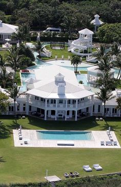 celine dion florida home Celebrity Mansions, Celebrity Houses, Luxury Homes Exterior, Interior And Exterior, Architecture Classique, Model House Plan, Casas The Sims 4, Florida Home, Cool Pools