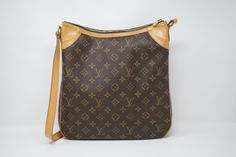 092593265014 Louis Vuitton Monogram Odeon MM - SKU - 961. The Chicago Consignment