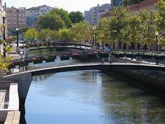 Los canales con los que Aveiro se ha ganado el nombre de la Venecia de Portugal  ¿Queréis visitarlo?   #vacaciones #buscounchollo #aveiro
