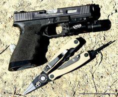 Chris Costa's Salient Arms International Glock 17