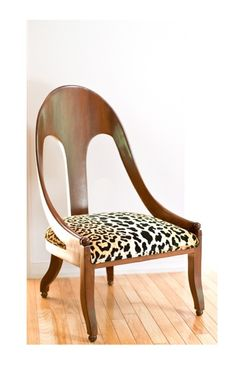 Chair with Cheetah Print Fabric, Chinoiserie Chic: Property of a Lady African Interior, African Home Decor, Furniture Styles, Furniture Design, Leopard Bedroom, Safari Room, Chinoiserie Chic, Interior Decorating, Interior Design