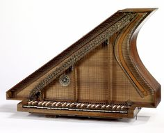 SPINET 18 th century vertical spinet