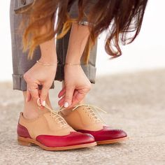 Ya tenéis en el blog un look perfecto para ir a la oficina cómoda y con estilazo con estos maravillosos #zapatos Lottusse  Y si queréis unos para vosotros  Atención porque Os recuerdo este Súper SORTEO en el que aún estáis a tiempo de participar  Participa en este #Concurso y consigue  unos zapatos #Lottusse #MadeToOrder personalizados por ti (seas chico o chica) y una baldosa de @huguetmallorca (valorados en 450 euros)  Cómo Participar  1) Publica en tu perfil público de Instagram una foto…