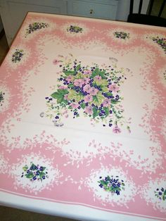 How do you date vintage tablecloths?
