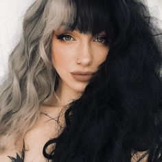 New Pic half Dyed Hair Style Are the beginnings providing the sport at a distance in which you are an all natural blonde? Or maybe you ele Half Colored Hair, Half And Half Hair, Split Dyed Hair, Half Dyed Hair, Chic Short Hair, Curly Hair Styles, Natural Hair Styles, Aesthetic Hair, Dye My Hair