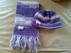 bufanda y gorrito violeta matizado con lazo echo a crochet