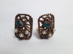 Vintage 1940's Clip-On Reja Earrings
