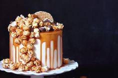 Layer Cake Cheesecake et popcorn caramel au beurre salé