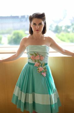 Absolutely gorgeous dress. From the Vintage festival 2011, Southbank, London.