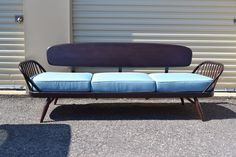 Vintage Mid Century Modern Sofa / Daybed Ercol 1970 #Ercol