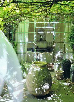 Haute Design by Sarah Klassen: Sur le Jardin. Outdoor Rooms, Outdoor Gardens, Outdoor Living, Porch And Terrace, Olive Jar, Pot Jardin, Garden Features, Winter Garden, Garden Inspiration