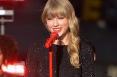 taylor swift red smile