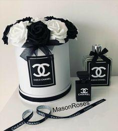 Chanel Room, Chanel Decor, Chanel Birthday Party, Chanel Party, Flower Box Gift, Flower Boxes, Flowers, Chanel Cake, Coco Chanel