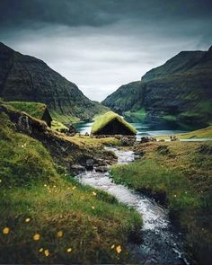 Small Viking house with grass on roof Vikings, Cool Landscapes, Beautiful Landscapes, Beautiful Places To Visit, Places To See, Natur House, Viking Aesthetic, Viking House, Viking Village