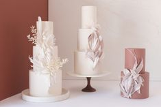 As the year draws to a close, we've decided to list the top wedding cake trends of 2020 for all our couples looking into the year ahead. Textured Wedding Cakes, White Wedding Cakes, Wedding Cakes With Flowers, Beautiful Wedding Cakes, Flower Cakes, Purple Wedding, Gold Wedding, Wedding Colors, Wedding Cake Designs