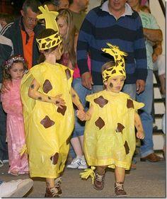 Disfraz jirafa Carnival Crafts, Carnival Costumes, Cool Costumes, Halloween Costumes, Olaf Costume, Costume Carnaval, Giraffe Costume, Lion King Costume, Jester Hat