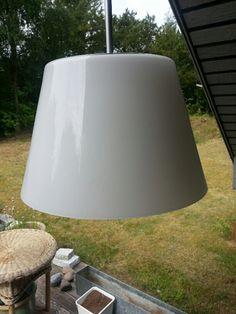 Flot Holmegaard lampe (FICTION) : Ø 277 x H 175 mm Opal hvid. Meget få brugsspor. 400 kr.