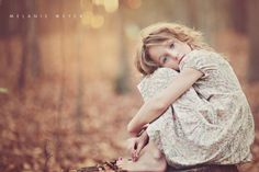 Beautiful child photography during the golden hour.  Photo by Melanie Weyer Photography.