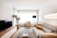 12 salones nórdicos llenos de inspiración Condo Living Room, Living Room Sets, Living Room Decor, Small Living Room Design, Living Room Designs, Small Flat Decor, Condo Furniture, In Vino Veritas, Home Interior Design