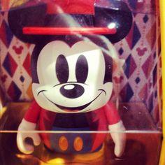 Mickey ringmaster vinylmation