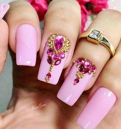 ✨www.tatacustomizaçãoecia.com.br✨.Pedrarias de qualidade, é só aqui em @tata_customizacao_e_cia.#tatacustomizacao #joiasdeunhas #pedrarias #nails #love #instagram #instanails