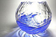 Kiriko of Japan. Cut glass of the waves by Toshiyasu Nakamura ,japan   波切子 中村敏康作