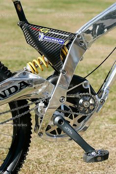 Honda RN-01 G, mountain bike produced by Honda specifically for downhill racing events, tested on Fujimi Panorama, on November 5th, 2004.