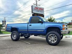 Chevy Pickup Trucks, Lifted Chevy Trucks, Gm Trucks, Chevrolet Trucks, Cool Trucks, 98 Chevy Silverado, Chevy Ss, Silverado 1500, Truck Design