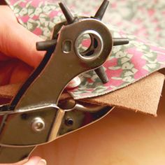 How to easily trace a sewing pattern onto leather: Simple tips & tricks for leather crafts. MXS