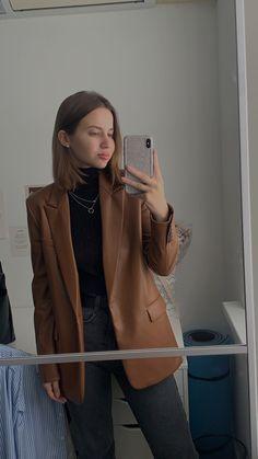 Look Fashion, Aesthetics, Leather Jacket, Jackets, Studded Leather Jacket, Down Jackets, Leather Jackets, Jacket