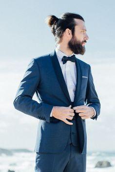 Venez découvrir notre smoking mariage Mister S réalisé sur mesure et créé exclusivement pour la Collection Special Day 016 - Ocean Rd pour un mariage chic.