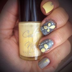"""This mani was for #whencolourscollide challenge. I was too late entering this into the challenge so missed getting it  into the collage for this prompt. If you haven't checked out @whencolourscollide you should. So many creative ladies out there!! Grey and yellow. Love the combinations. For this mani I used @chinaglazeofficial """"intelligence integrity and courage"""" @cult.nails """"new day"""" @mundodeunas """"34 dark grey"""" @kbshimmer """"clearly on top"""" and @bornprettystorenailart plate """" BP-17 to make…"""