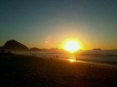 Amanhecer em #Copacabana +pix@ http://umrio.net/galeria